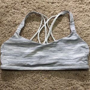Lululemon free to be zen bra size 8